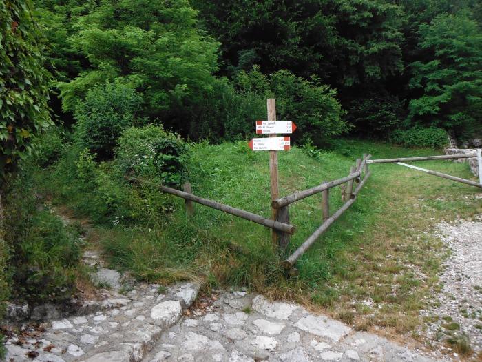 Primo bivio, verso la Picotta