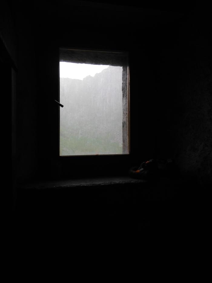 Muro d'acqua fuori dalla finestra